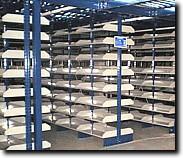 Scaffalature metalliche per ricambi scaffalatura for Arredamento magazzino